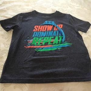 Under Armour Boys Dark Gray T-shirt.  Size YXS